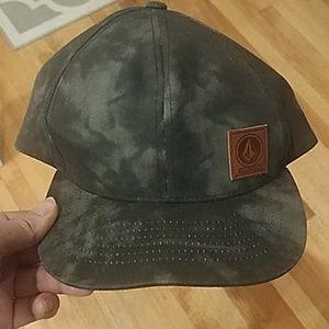 Euc Volcom Hat